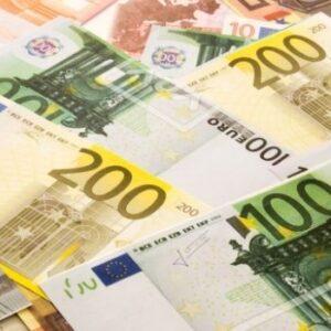 Geld lenen met vast contract en bkr